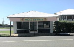 STAND ALONE SHOP OF APPROX 84m2 - A LARGE GABLE RESIDENCE ON 2 LEVELS AND A 2 BAY SHED ON A 842m@ CORNER ALLOTMENT.
