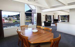 'Dress Circle' Queenstown apartment - 1/4 share