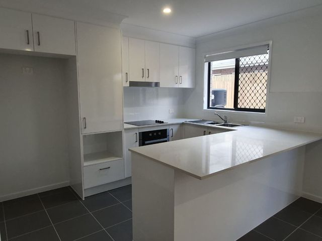 Vacant townhouse ready to move in. Rental Appraisal of $350/week