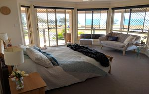 YOUR HOLIDAY HOME WITH AN INCOME - FULLY FURNISHED AIRBNB!
