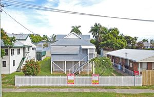 IMMACULATE QUEENSLANDER. PRIME LOCATION. WALK TO SCHOOLS & THE HOSPITALS. $239,000
