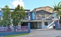 Spacious 2 Bedroom Apartment - Heart Of Chermside
