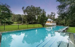 PICTURESQUE MULTI DWELLING LIFESTYLE PROPERTY