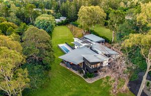 FORTHCOMING AUCTION - A STUNNING, PRESTIGE, LIFE-STYLE PROPERTY!