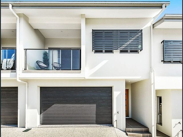 Modern, Architecturally-Designed Townhouse