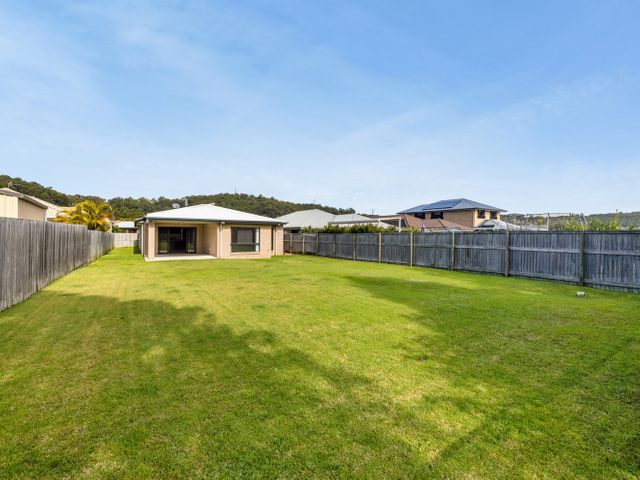* THE EPITOME OF SHEER PERFECTION!...IMMACULATE HOME SET ON 800m2, HUGE YARD WITH SIDE ACCESS FOR VAN, YOU'LL BE COMPLETELY BESOTTED WITH! *