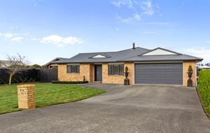 Executive Home in Solway