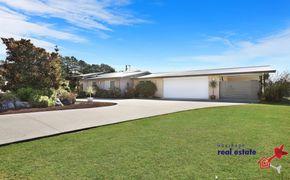Dream acreage, dream home