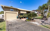 Fantastic Buying in a Central Location - HUGE BACKYARD 655M2