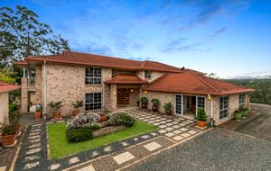 EXQUISITE RESIDENCE on 11 ACRES only 16km from Brisbane CBD