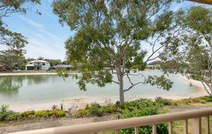 Amazing Waterfront Retirement Lifestyle