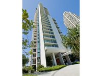 MAIN BEACH - PENTHOUSE LIVING AT ITS BEST NEW TO MARKET