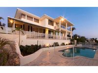 PRESTIGE FAMILY HOME ON WIDE WATER