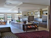 ONE LEVEL EXECUTIVE HOME IN 'THE LAKES' - HOPE ISLAND